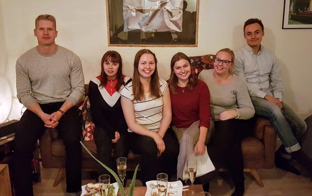 Ryhmäkuvassa uusi ryhmä: Markus, Janina, Noora, Milja, Annika ja Henri